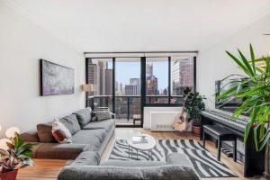 Great apartment with private balcony! N O F E E photo