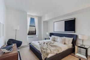 Condo Style 1 Bedroom in the Heart of Financial District! No Fee photo